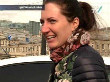 Сотрудники ГИБДД Центрального района г. Санкт-Петербурга проверили соблюдение правил перевозки детей и выдавали в качестве подарка Устройство ФЭСТ